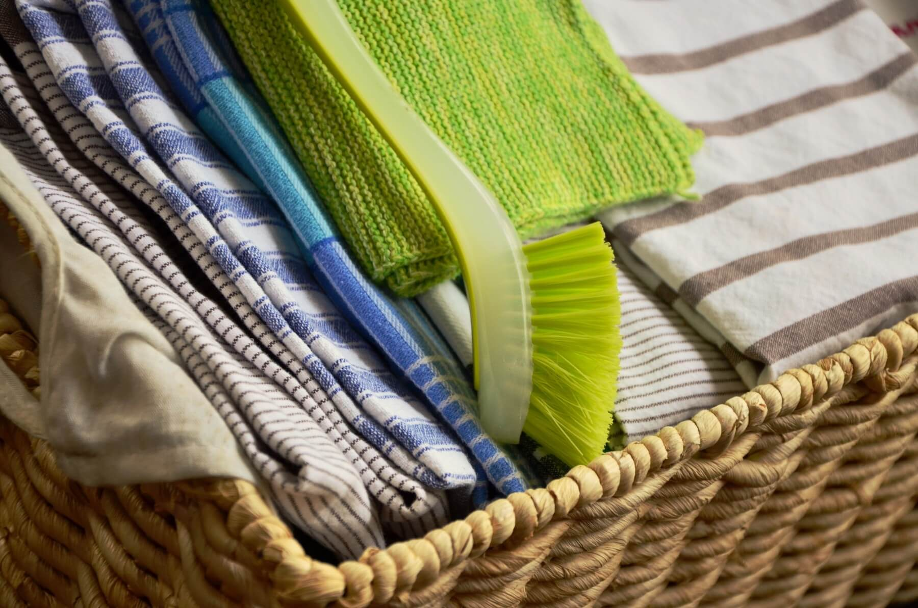 How To Efficiently Clean Your House Layer By Layer