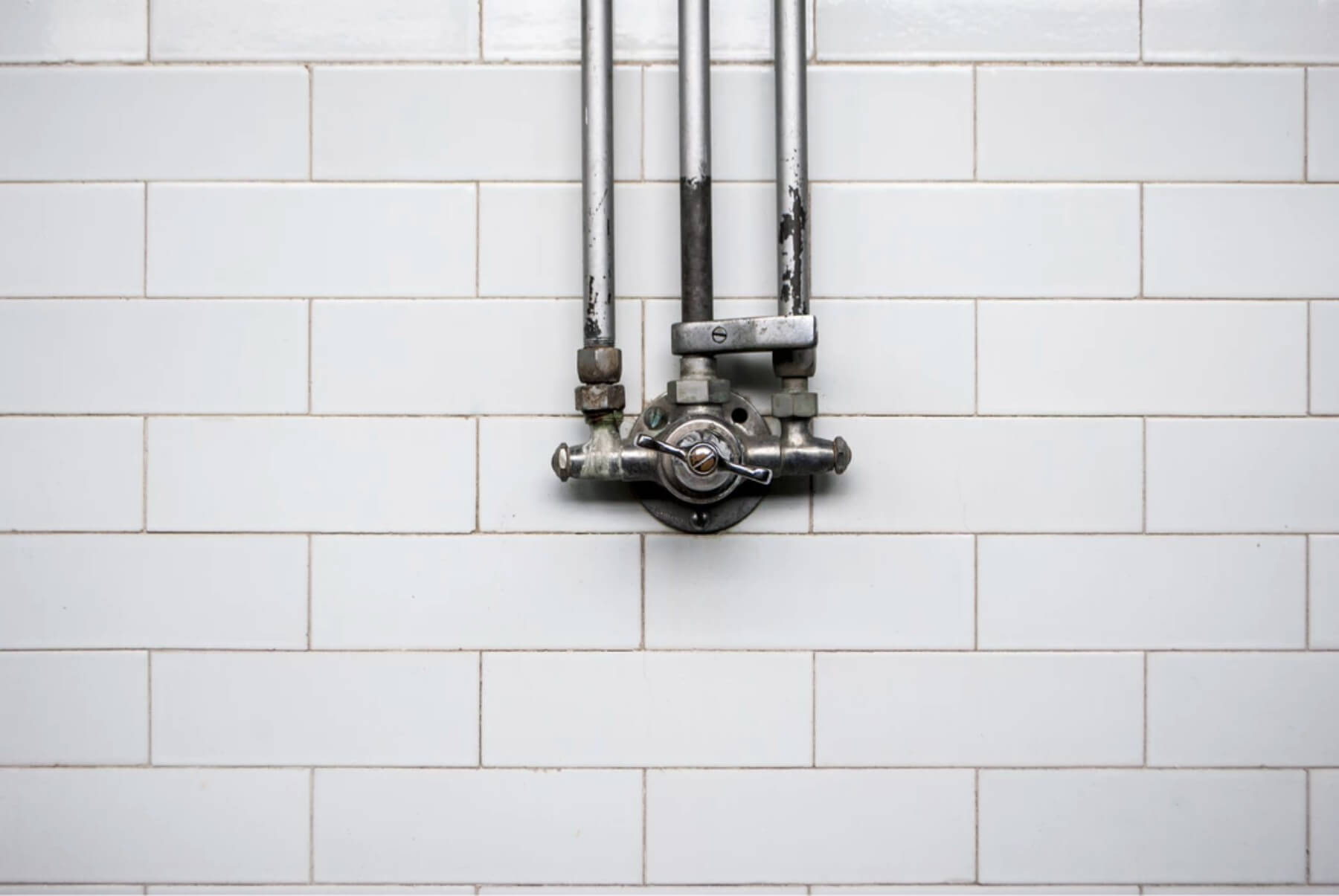 Dirty Grout? Here's How You Can Clean It!