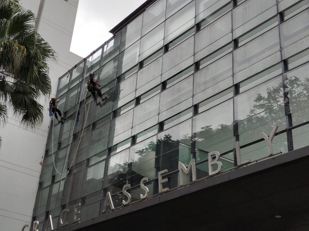 Commercial Cleaning Facade Cleaning